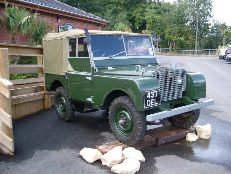 Land Rover Defender Series I